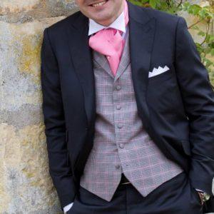 Marié XAVIER HEDOIRE avec gilet à carreaux Prince de Galles
