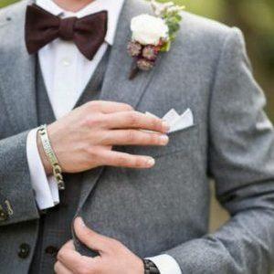 Tenue de marié dans un style bobo vintage par Xavier Hedoire
