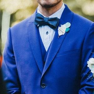 Costume bleu de marié par Xavier Hédoire